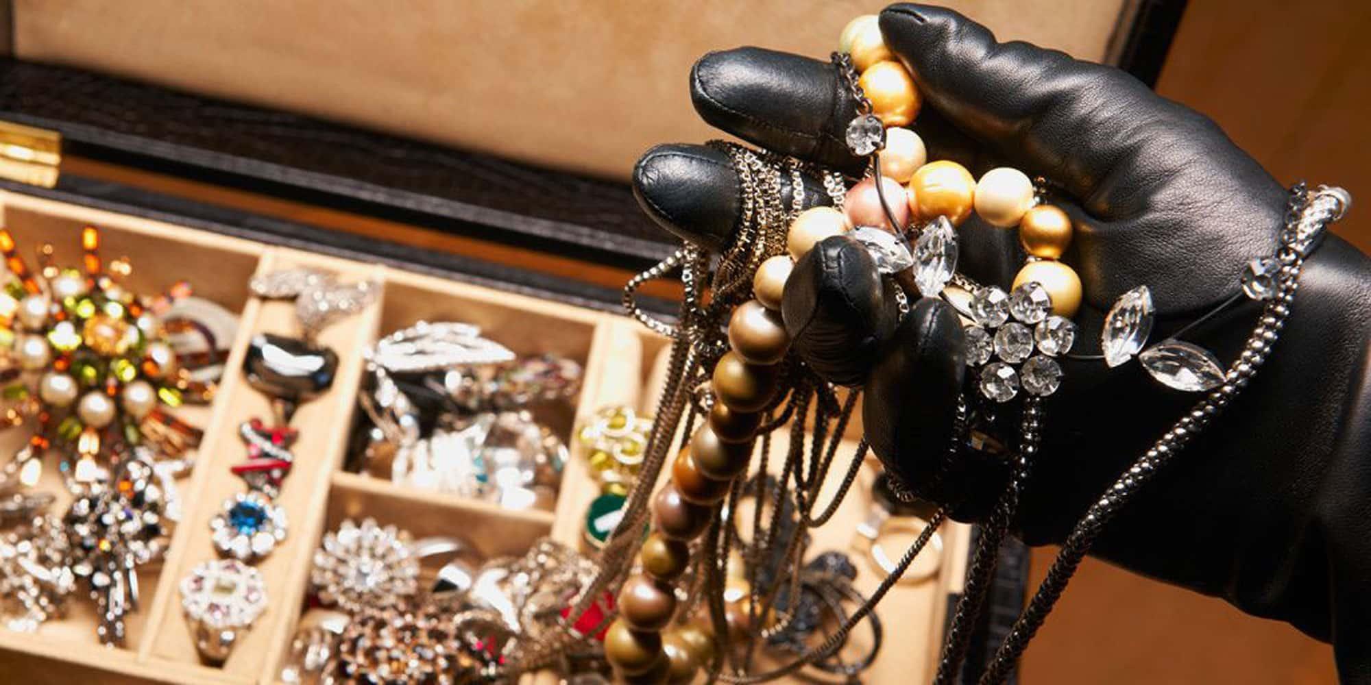thief stealing jewelry